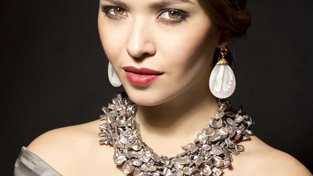 Necklace and Earrings, Pearls, Keshi Pearls, Oyster Shell, Gold